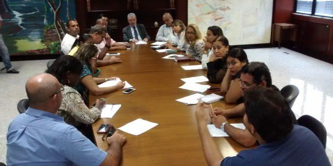 Seese e bancada sindical entregam denúncias contra a Prefeitura de Aracaju ao TCE e MP