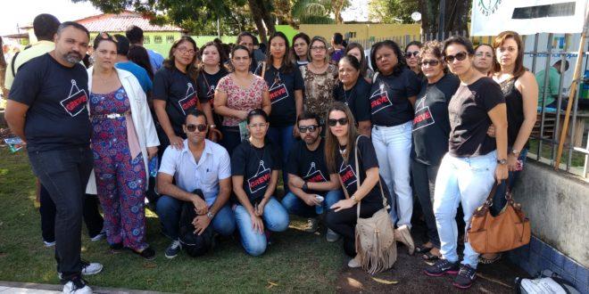 Em ato público, enfermeiros reiniciam movimento grevista