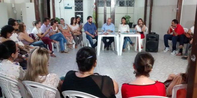 Enfermeiros recebem o candidato a Prefeito de Aracaju, Edvaldo Nogueira, para uma roda de conversa