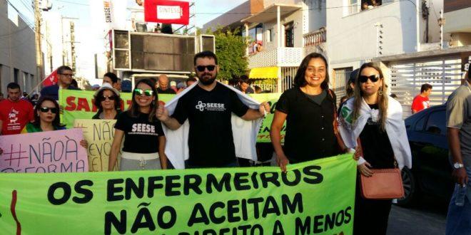Enfermeiros se unem a milhares de trabalhadores e realizam atos contra as reformas trabalhista e previdenciária