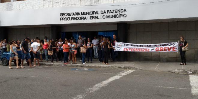 Panfletagem é realizada durante protesto em frente a Secretaria Municipal da Fazenda
