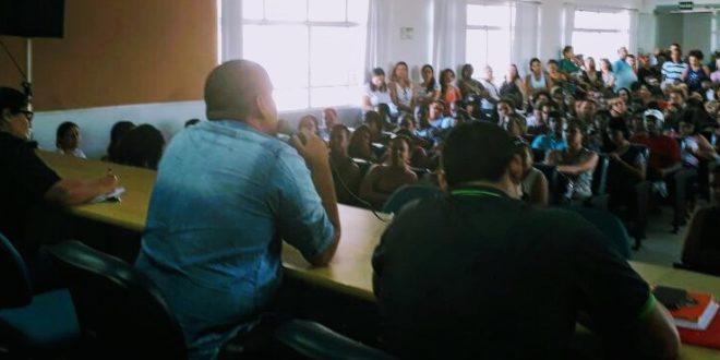 Enfermeiros servidores de Aracaju permanecem em greve
